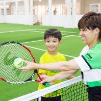 女性や子どもにやさしいテニススクールです。 初心者の方でも安心して楽しめるよう私たちが皆さんのニーズにお応えします!!