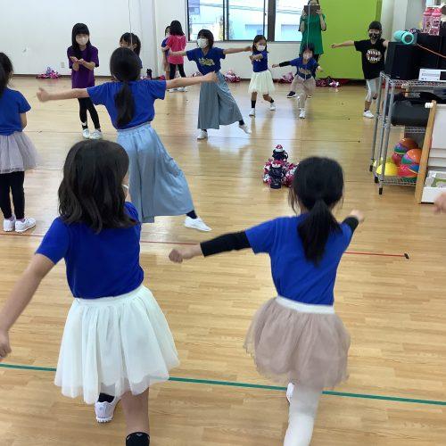 元気いっぱいチアダンス!